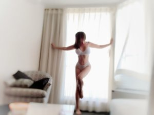 Anne-solenne independent escort in Berea