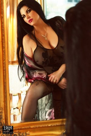 Lilli outcall escort in Wolf Trap