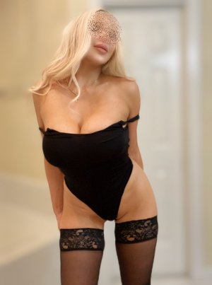 Laurie-anne live escort