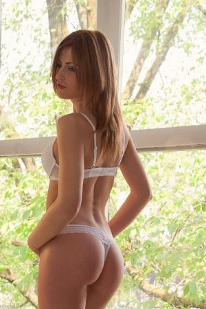 Lucie-lou independent escort